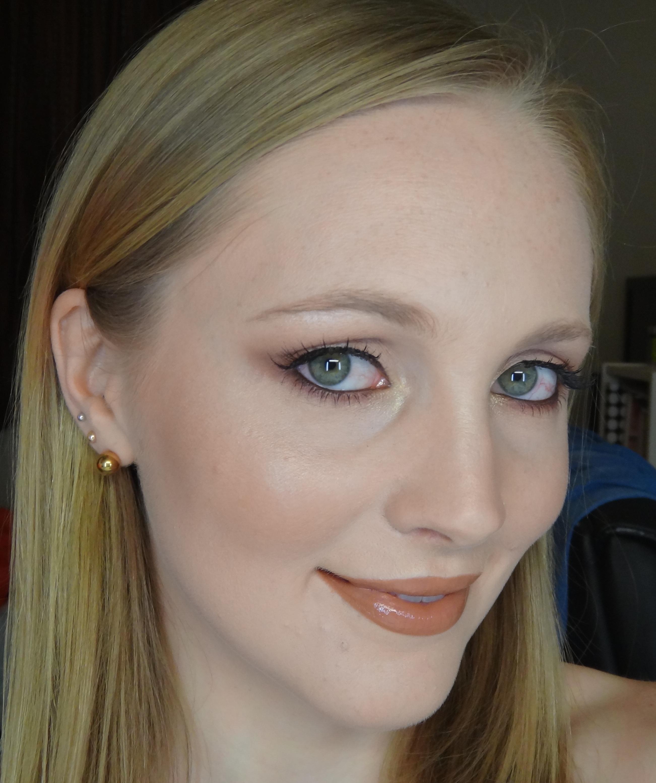 Reverse Smokey Eye With A Pop Of Gold Jasmyn West Makeup Artist
